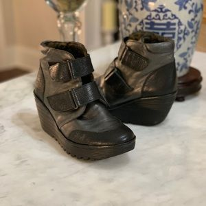 FLY LONDON WEDGE BOOTIE IN BLACK AND GREY LEATHER